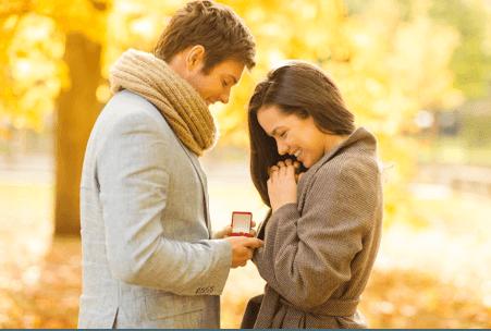 Man proposing women